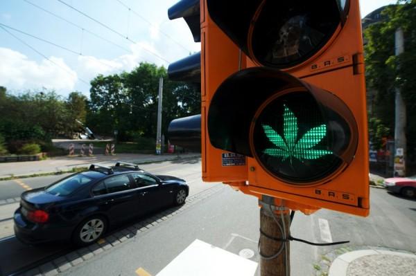 marijuana-green-light-1
